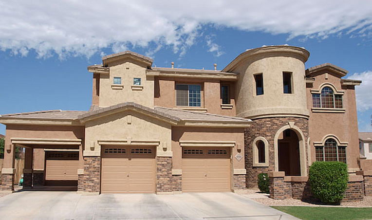 New two-story house in Queen Creek