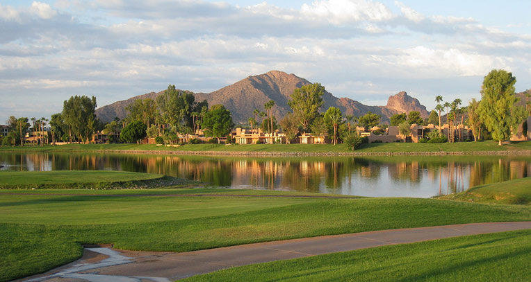 Image of a park in Scottsdale with a lake